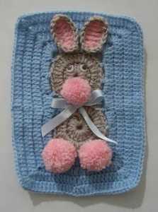Kız ve erkek bebekler için değişik örgü bebek battaniyesi motifi yapılışı