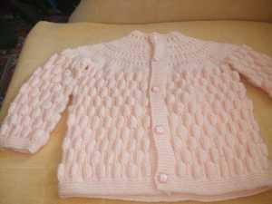 Örgü bebek battaniyesi ve örgü bebek yelek modelleri için çam kozası motifi tarifi Anlatımlı