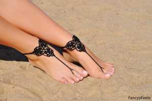 Örgü parmak arası ayak süsü modelleri