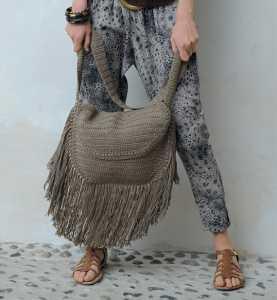 Püsküllü örgü çanta modeli