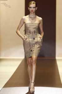 Gucci 2011 İlkbahar - Yaz Koleksiyonu - gucci straplez mini elbise modelleri
