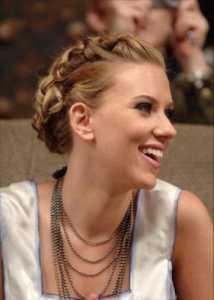 2011 Örgülü Saç Modası- Kumral saçlar için şık topuz modelleri