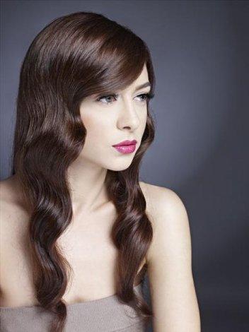 2011 'in Saç Kesim Modelleri ve Saç Renkleri - Çikolata kahve su dalgası kesim ve saç modelleri