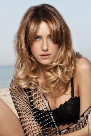 2011 'in Saç Kesim Modelleri ve Saç Renkleri - Dalgalı saç modelleri ve Dalgalı saç kesim modelleri