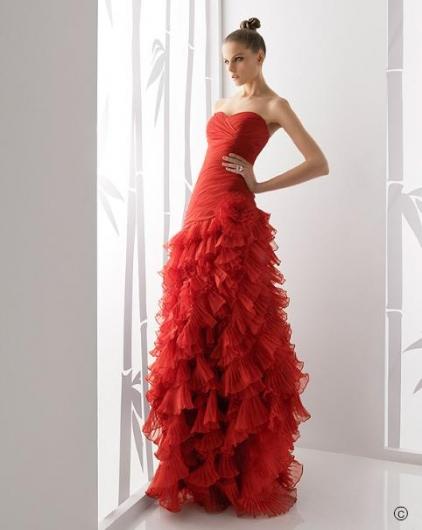 2011'in Kırmızı Kalçadan Sonra Kabarık Nişanlık - Abiye Modelleri