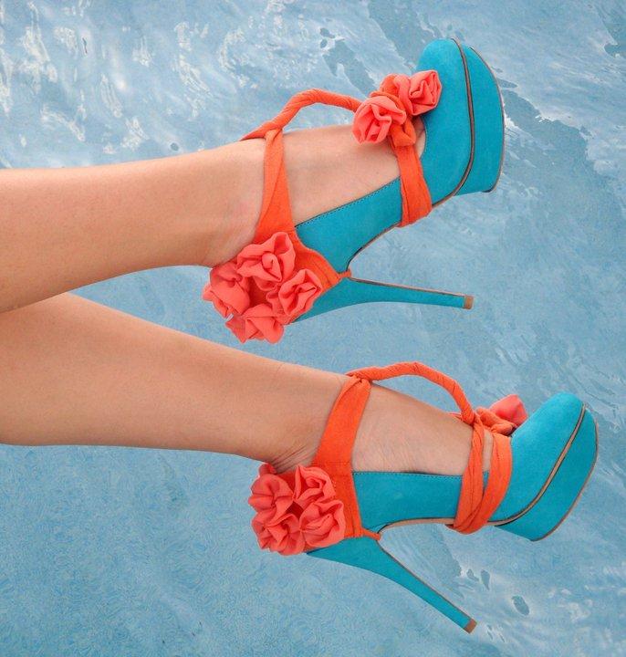 Çiçekli İnce Platform Topuklu Ayakkabı Modelleri