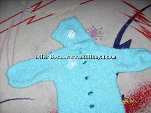 Dilek Bora' dan bebekler için kapişonlu uyku tulumu modeli