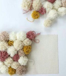Ponpon ile yapılmış dekoratif ürünler ve yapılışları anlatımlı