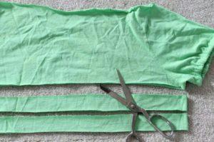 Kullanılmayan tişörtlerden saç bandanası yapılışı anlatımlı