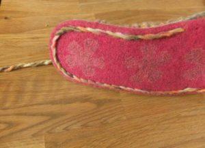 İki şişle örülmüş ayakkabı tarzı örgü patik modeli yapılışı anlatımlı