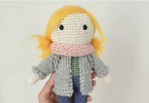 Amigurumi örgü oyuncak sarı saçlı öğrenci kız bebek modeli tarifi anlatımlı
