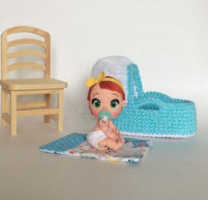 Amigurumi örgü emzikli bebek modeli
