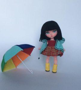 Amigurumi örgü şemsiye li kız bebek modeli