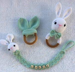 Bebekler için diş kaşıyıcı örgü oyuncak çıngırak modeli tarifi anlatımlı ve açıklamalı