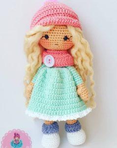 Amigurumi örgü oyuncak atkı ve bere li kız modeli tarifi anlatımlı