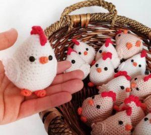 Amigurumi örgü oyuncak tavuk modeli tarifi anlatımlı ve açıklamalı