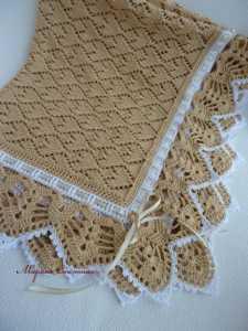 Tığ ile örülmüş örgü bebek battaniyesi modeli