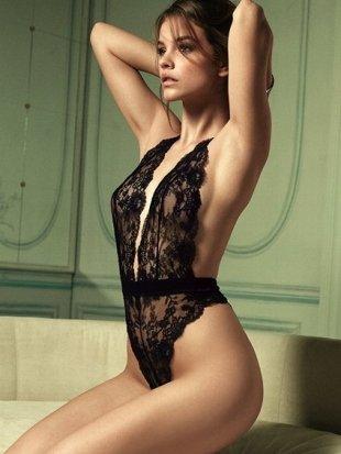 2012 Victoria's Secret İç Çamaşırı Modelleri - Siyah renk tek parça dantelli iç çamaşırı modeli