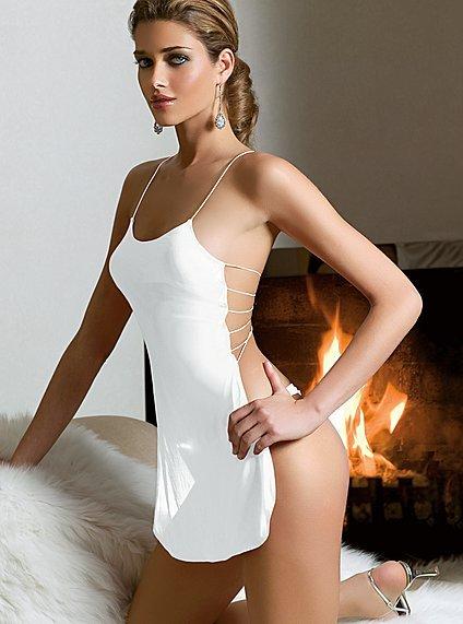 Victoria's Secret 2011 İç Çamaşır ve Gecelik Modelleri -- Victoria's Secret beyaz önlük tarzı gecelik modelleri