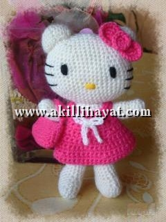 Hello Kitty Amigurumi Dolls | House of Kitty Blog | 320x240