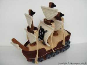 Amigurumi oyuncak korsan gemisi modeli