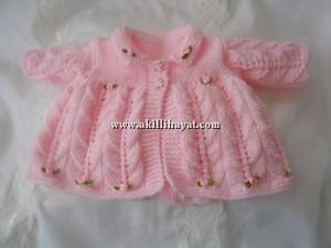 Yakalı Kız Bebekler İçin Hırka Modelleri
