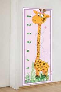 Bebek ve çocuk odaları için zürafalı boy ölçme tablosu modelleri