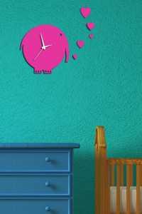 Bebek ve çocuk odaları için pembe fil figürlü saat modelleri