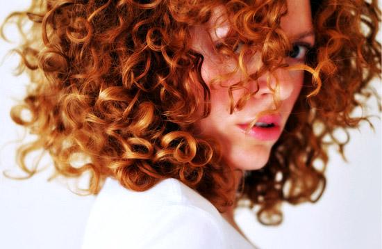 2011 'in Saç Kesim Modelleri ve Saç Renkleri - Hürrem sultan saç rengi nevacolor 8.44 - tarçın bakırı rengi