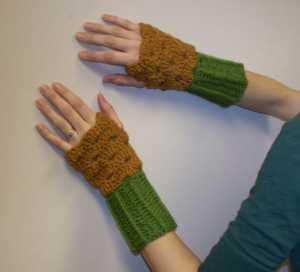 şık bayan parmaksız örgü eldiven modeli