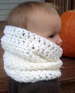 sevimli-bebek-boyunluk-modeli