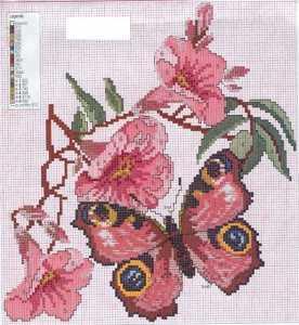 Kelebek ve çiçek figürlü kanaviçe yastık kılıfı şeması
