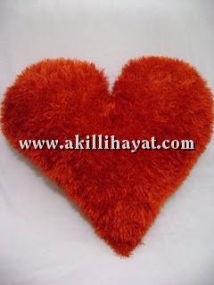 14 şubat hediyesi Amigurumi kalp yastik yapimi - YouTube | 320x240
