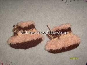 Dilek Bora' dan Sakallı ipten patik modeli