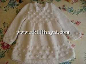 Uzun kollu bebek elbisesi (anlatımlı)