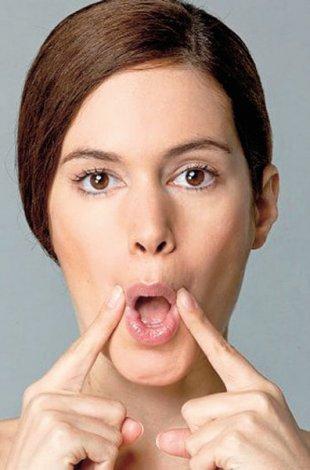 Evde yapılabilecek yüz jimlastiği hareketleri - Dudak çevresi ve yanak egzersizleri