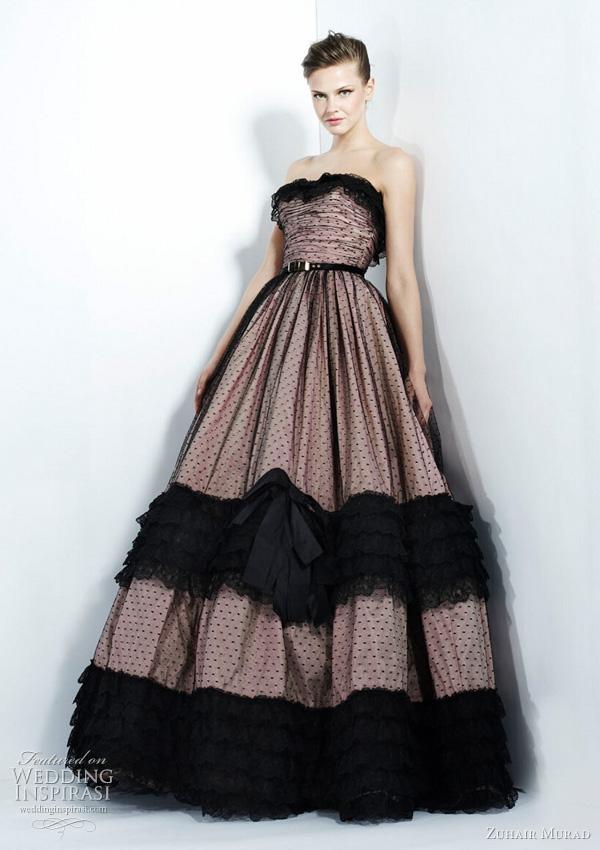 2011 - 2012 Zuhair Murad Koleksiyonu - Pembe-siyah puantiyeli tülden straplez abiye modeli